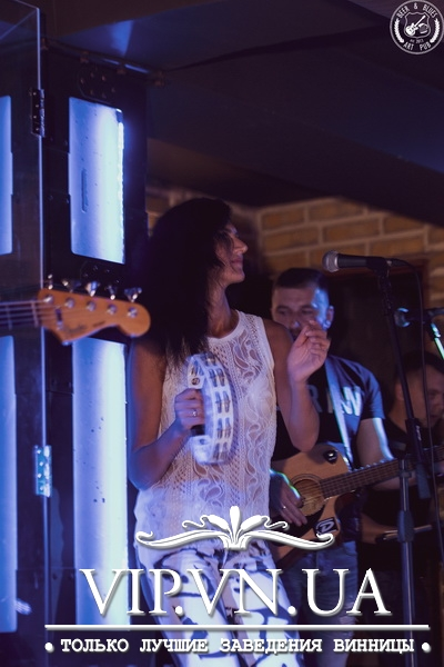 "Фотоотчет: 07.09.2018 Beer&Blues ""Gloria cover band""». «Art Pub BEER&BLUES -"